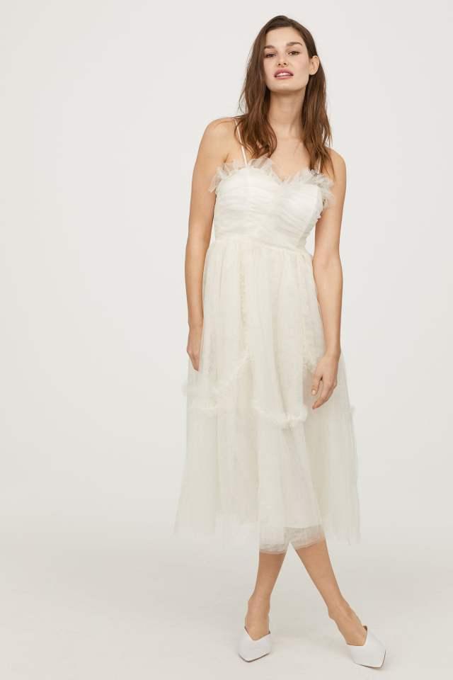 Vestido de noiva barato da H&M Wedding Collection. Publicado em www.planejandomeucasamento.com.br