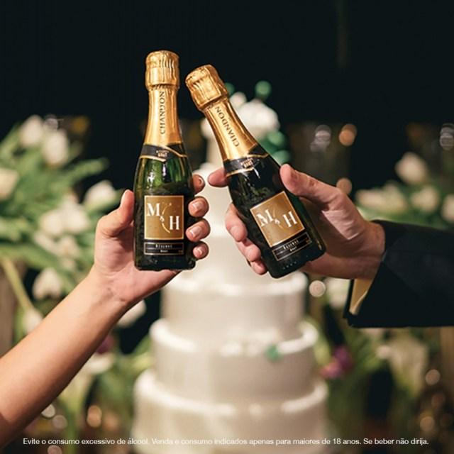Garrafinhas de espumante Baby Chandon personalizadas para casamento.