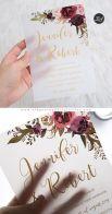 Convites de casamento transparentes de acrílico ou papel. Foto: Elegant Wedding Invites. Mais inspirações em www.planejandomeucasamento.com.br