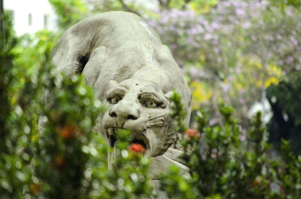 Estátua de leão na Praça da Estação (1)