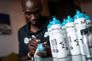 bebida deportiva rica en carbohidratos para tomar en maratón Maurten