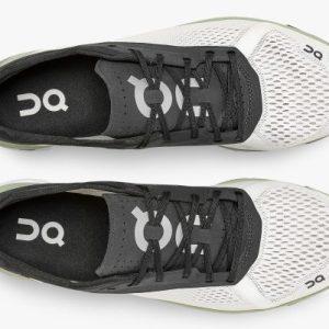 Análisis, review, características y ofertas para comprar la zapatilla de correr On Running Cloudboom
