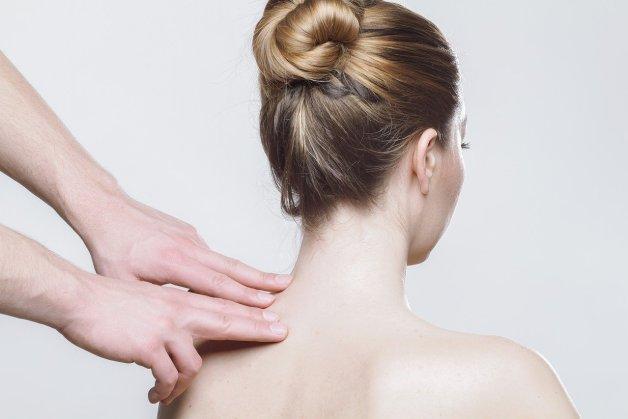 Massage au baume de consoude.