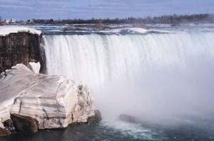 Voir les chutes du Niagara au printemps
