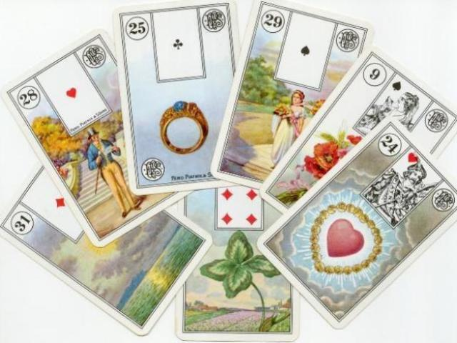Cartas do Baralho Cigano Lenormand com Naipes e Cartas da Corte