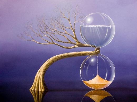 Uma árvore entrelaça uma ampulheta do tempo bem no meio, enquanto a areia continua caindo de dentro.