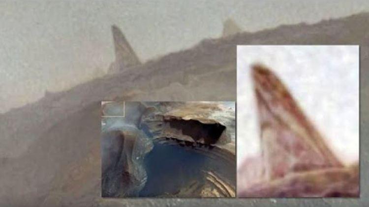 Pirámide Grabada en Marte