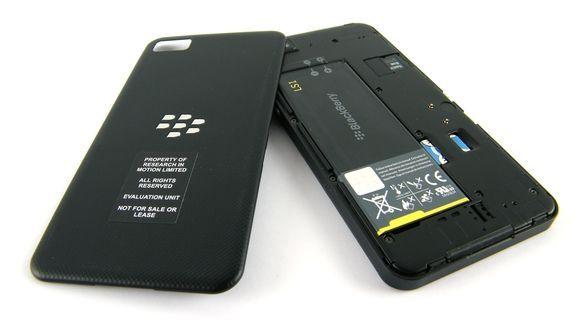 Blackberry Z10. Trasera