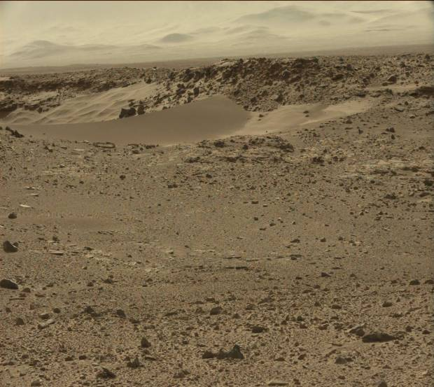 Sand dunes and rocks within Dingo Gap. Credit: NASA / JPL-Caltech