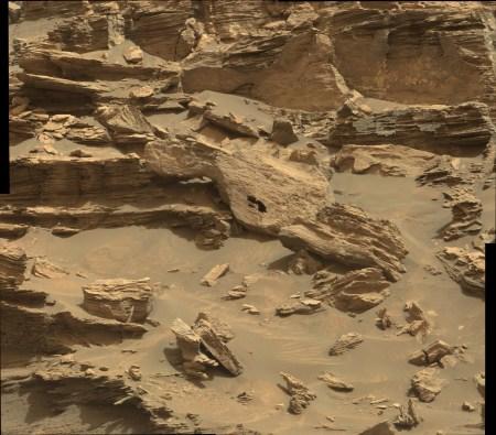 1448MR0071730130703067E01_DXXX-the erosion story_stitch-hole