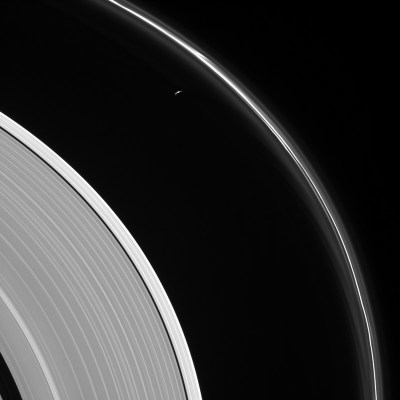 Only 5 ring crossings left as Cassini nears end of historic mission at Saturn
