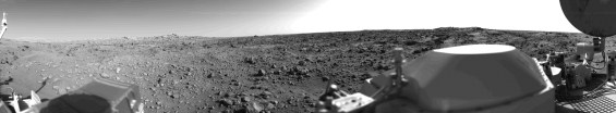 Panoramic view of the terrain in Chryse Planitia at the Viking 1 landing site. Photo Credit: NASA/JPL-Caltech