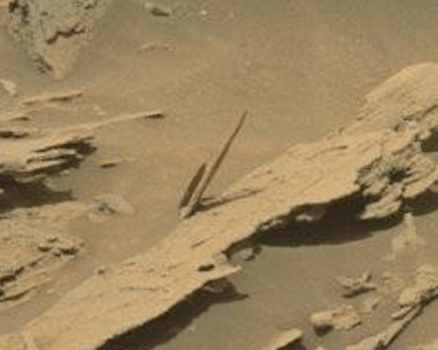 """Needle"" #1, seen by Curiosity on sol 1087. Photo Credit: NASA/JPL-Caltech/MSSS"