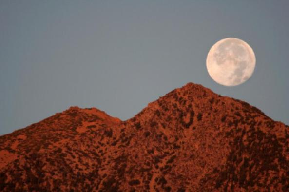 moon-set-over-mountains