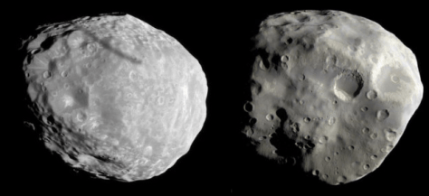 Janus and Epimetheus seen by Cassini (mosaic of 2 images). © NASA