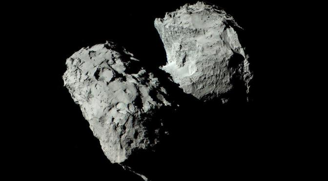 67P / Churyumov-Gerasimenko seen by Rosetta. © ESA/Rosetta/MPS for OSIRIS Team MPS/UPD/LAM/IAA/SSO/INTA/UPM/DASP/IDA