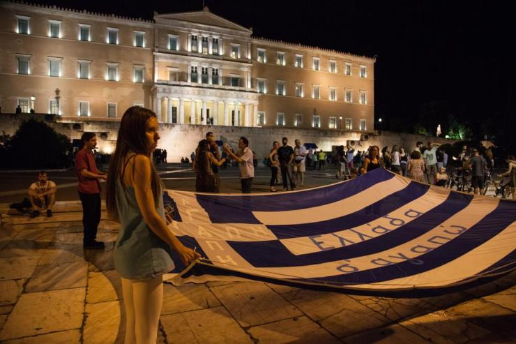 protests-erupt-in-athens-ahead-of-greek-bailout-vote-906-117-1436999947-size_1000[1]