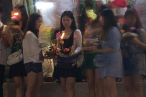 Thai girls at Loy Krathong