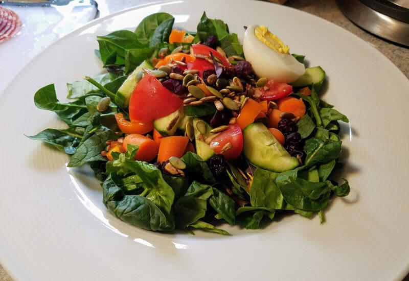 spinach tomato cucumber salad