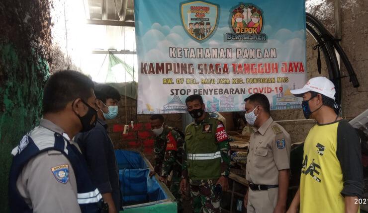 Danramil 01/Panmas Monitoring PPKM Mikro KSTJ RW 07 Ratujaya