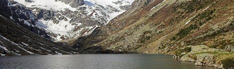 Lac d'Estom dans les Pyrénées