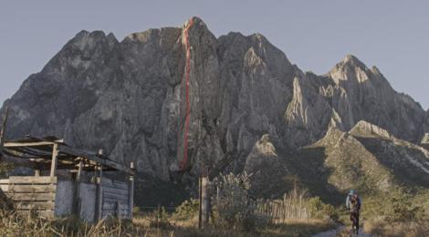 Alex Honnold escalade El Sendero Luminoso en solo