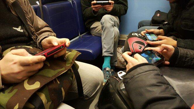 PS Vita dans le métro