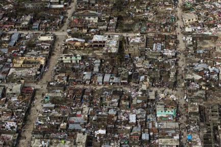 80 % des bâtiments de Jérémie, localité de 30 000 habitants, sont détruits en Haïti. | AFP