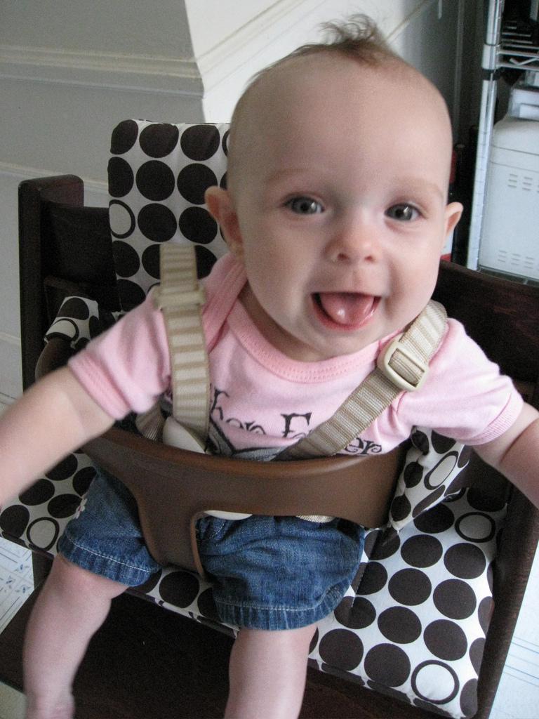 Greta in her new Stokke Tripp Trapp high chair #4