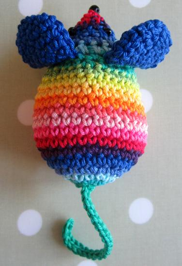 Rainbow_crochet_MouseNoText