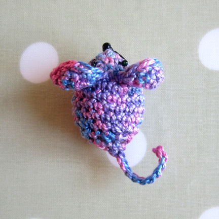 mouse crochet with embroidery thread