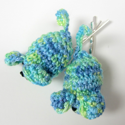blue/green crochet mice hair slides