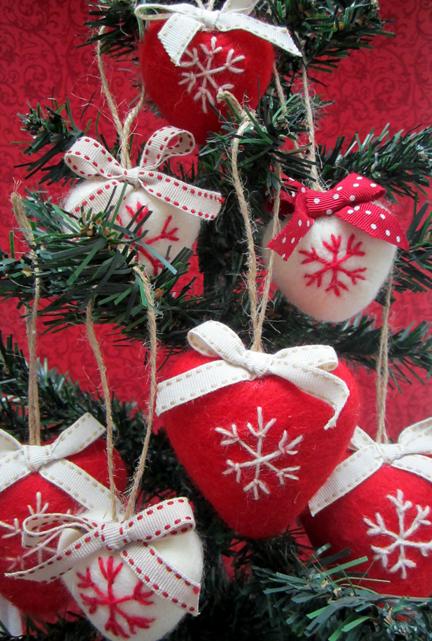 needlefelt hearts on tree