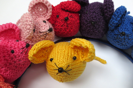 Knitted Rainbow Mouse