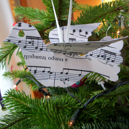 Christmas tree decoration | bird | paper | music |