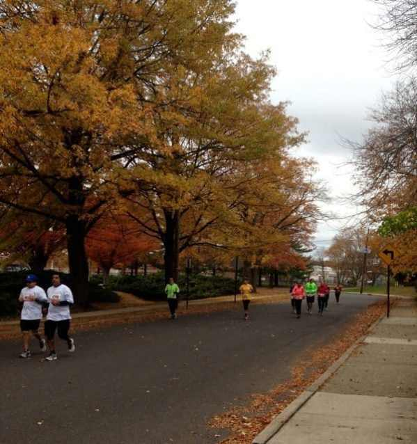 Runners on Franklin Avenue. Residents lined the streets of Princeton to cheer the runners on. Photo: Anna Schapiro.