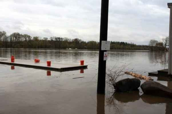 Lake Carnegie from Princeton-Kingston Road. Photo by Shani Abel.
