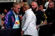 Daniel Cormier Confronts Jake Paul In Crowd At UFC 261!