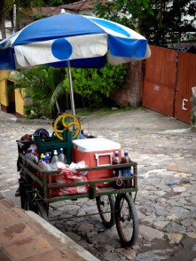 Travel Photo: Honduras - Ice-Cream Vendor in Copan Ruinas