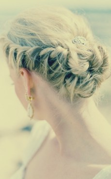 Indian bridal hairstyles updo's 21