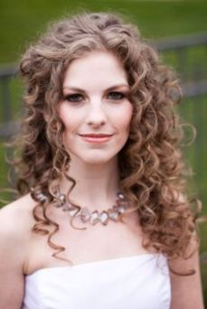 hairstyles for curly hair 23