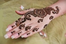 Simple mehendi designs 12