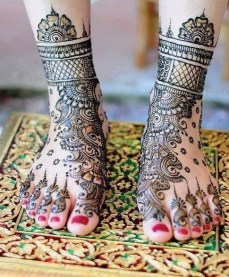 Mehendi designs for feet 16
