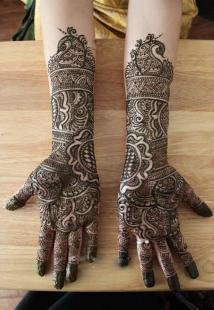 bridal-mehendi-designs-16