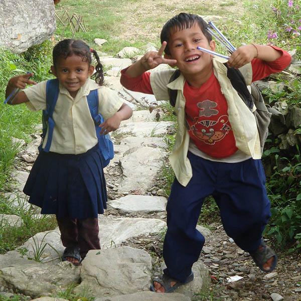 DSC04847 nens encantats amb bolis QUAD