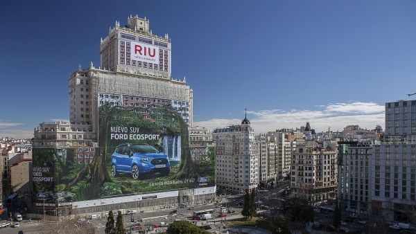 ford-valla-publicitaria-madrid-record-guinness.jpg