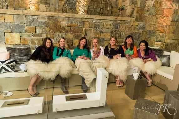 rental faux fur blankets weddings