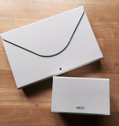 thick-business-cards-moo