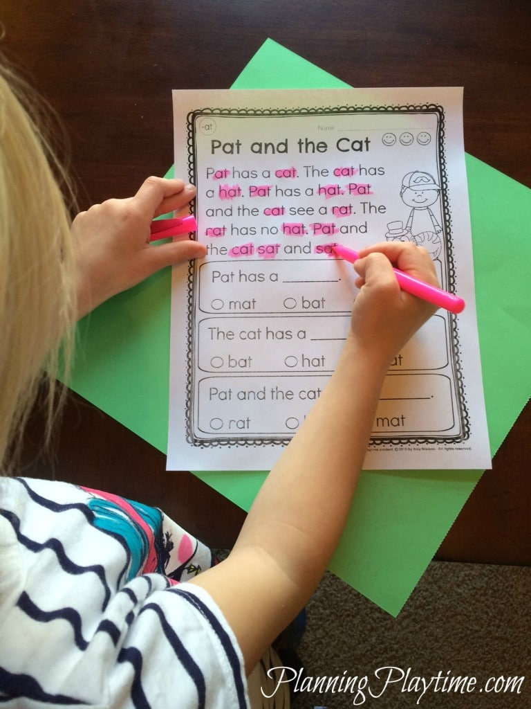 Kindergarten Reading Comprehension Passages   Planning Playtime Kindergarten Reading Comprehension Passages worksheets by word family   Color all the words in that family