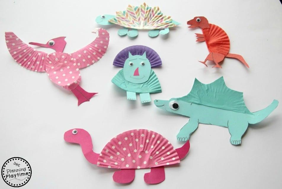 Cupcake Liner Dinosaur Crafts for kids. So fun!